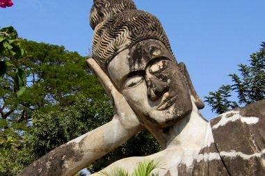 Liegender-Buddha