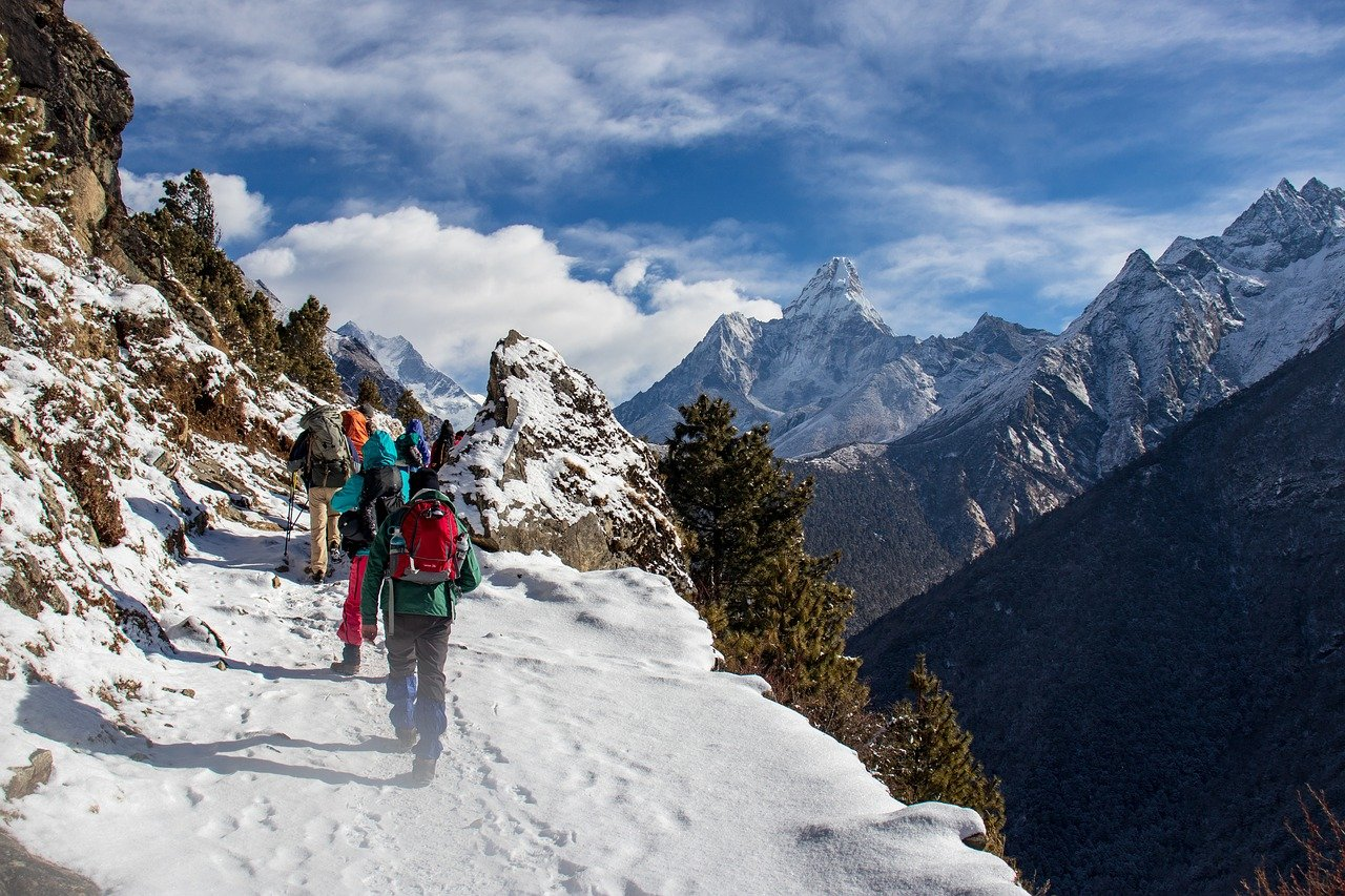 trekking with guides